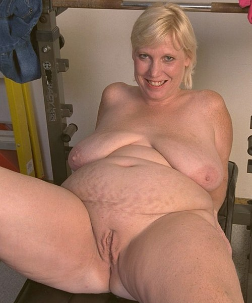 MATURE BIG FAT NUDE BBW