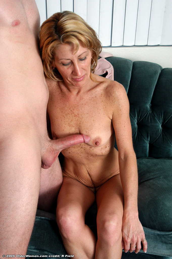 Mature woman free movie clip