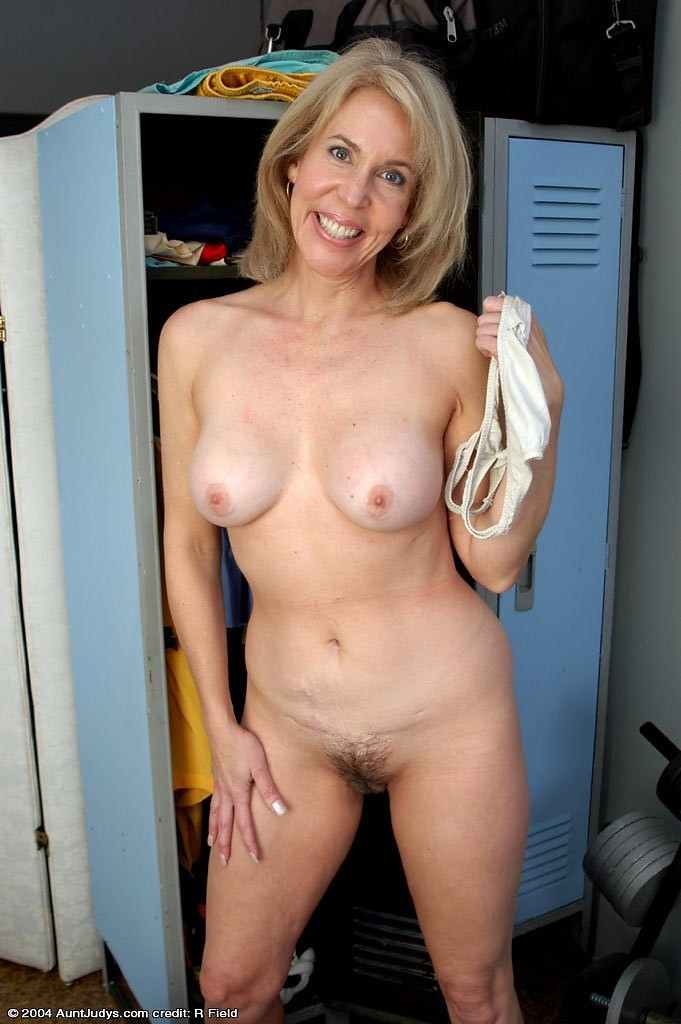 Jaime bergman nude pussy