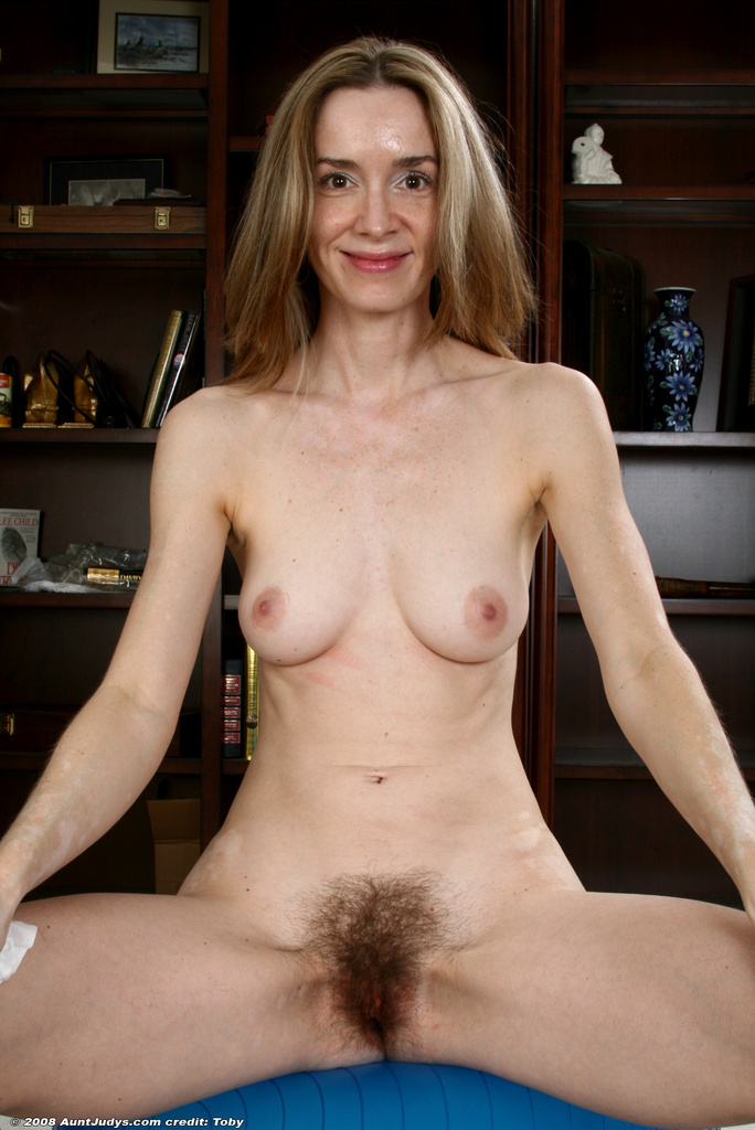 Quite good free naked old women pics