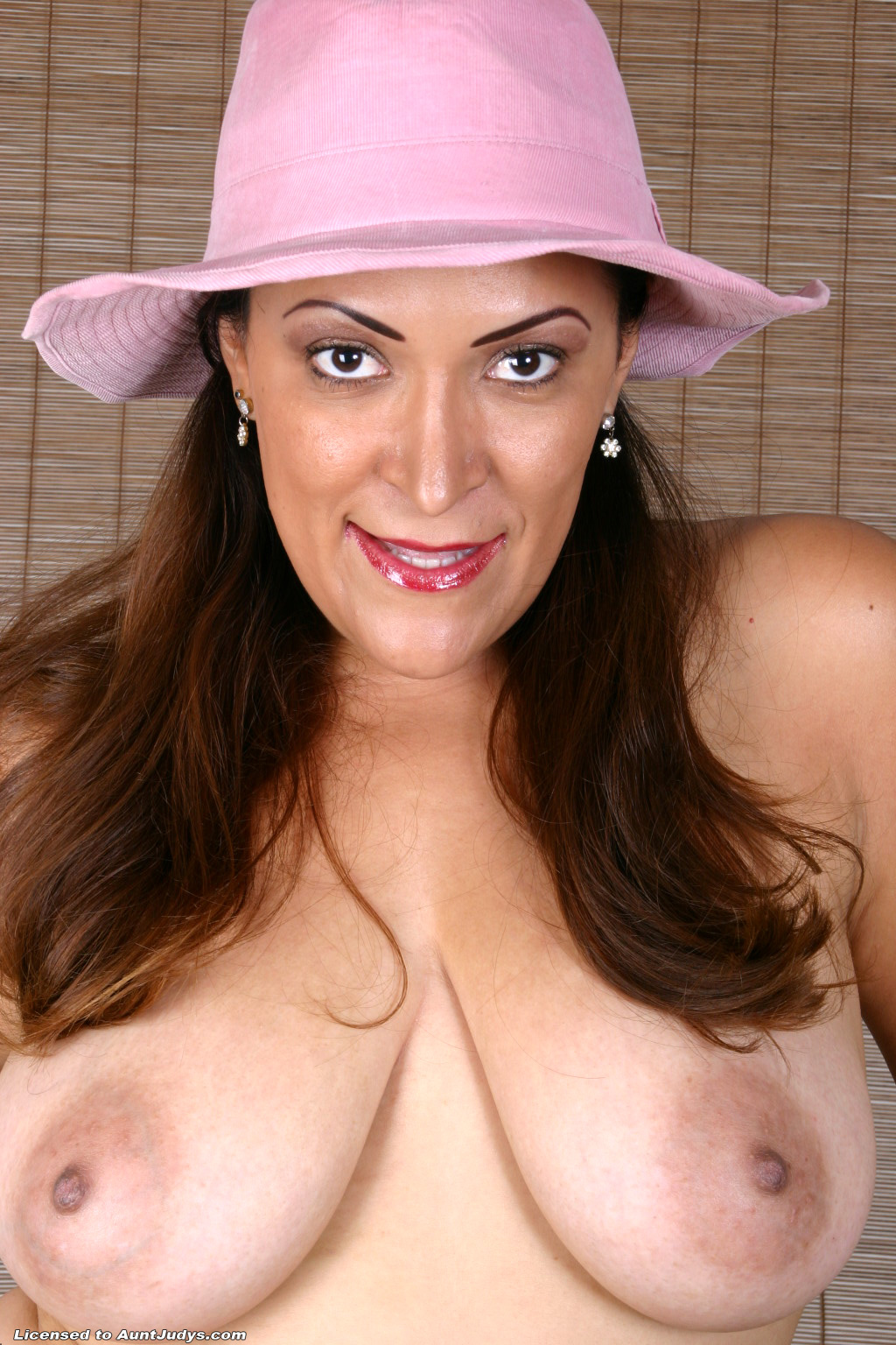 Aunt judys mature nudes join told