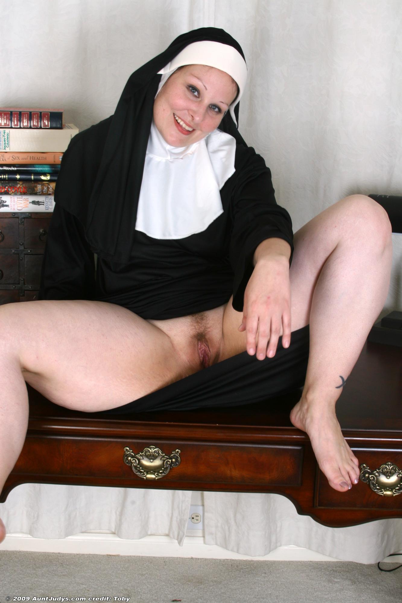 Писька монашка