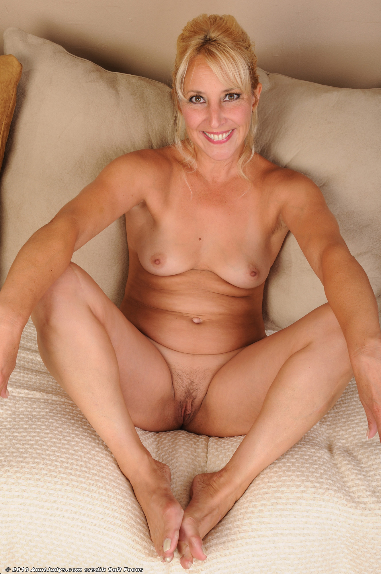nude older women models