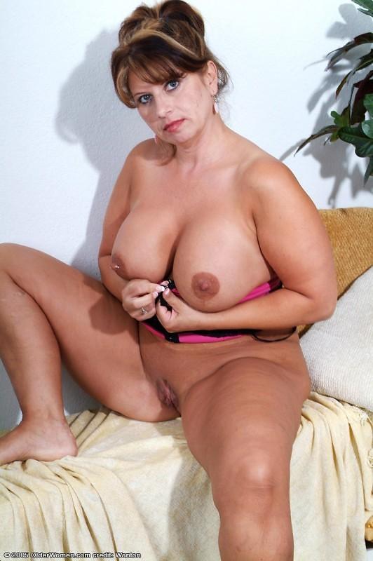 порно фото галлерея зрелых теток владивосток