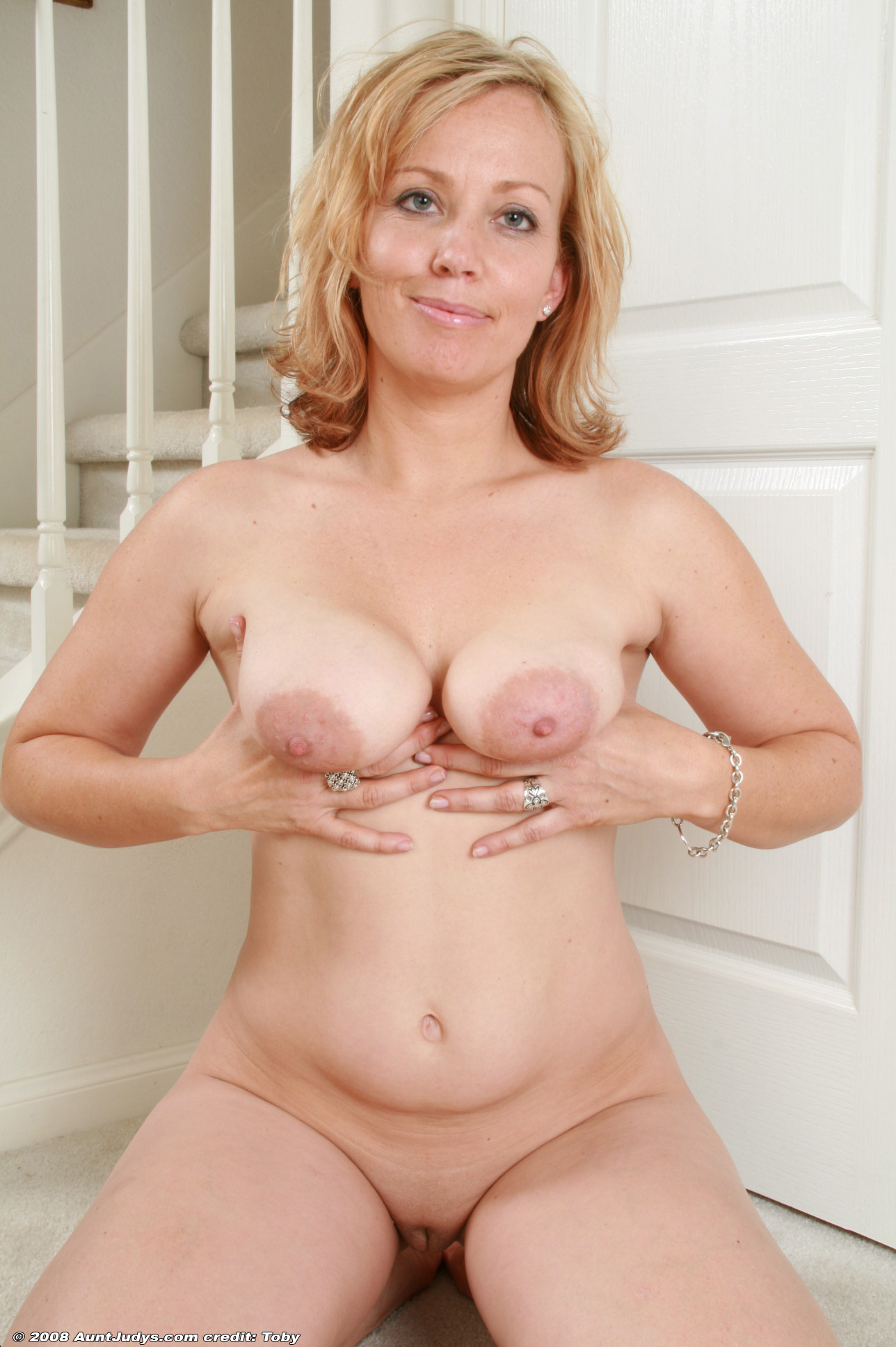 Aunt Judys - Free Videos & Pics from AuntJudyscom