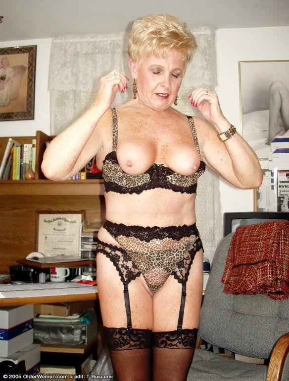 Charming Granny Lingerie Pics Pics 1